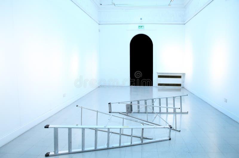 Κενό δωμάτιο γκαλεριών τέχνης τοίχων στοκ εικόνες
