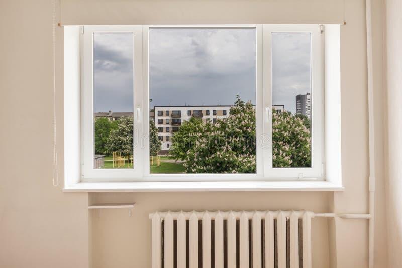 Κενό δωμάτιο με την άποψη στοκ φωτογραφία με δικαίωμα ελεύθερης χρήσης