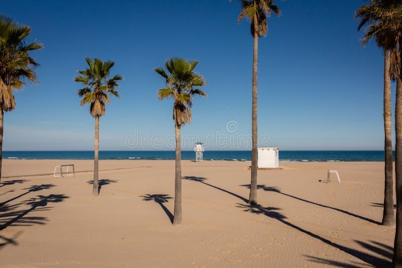 Κενό Gandia, Ισπανία παραλία τη συμπαθητική χειμερινή ημέρα στοκ φωτογραφίες