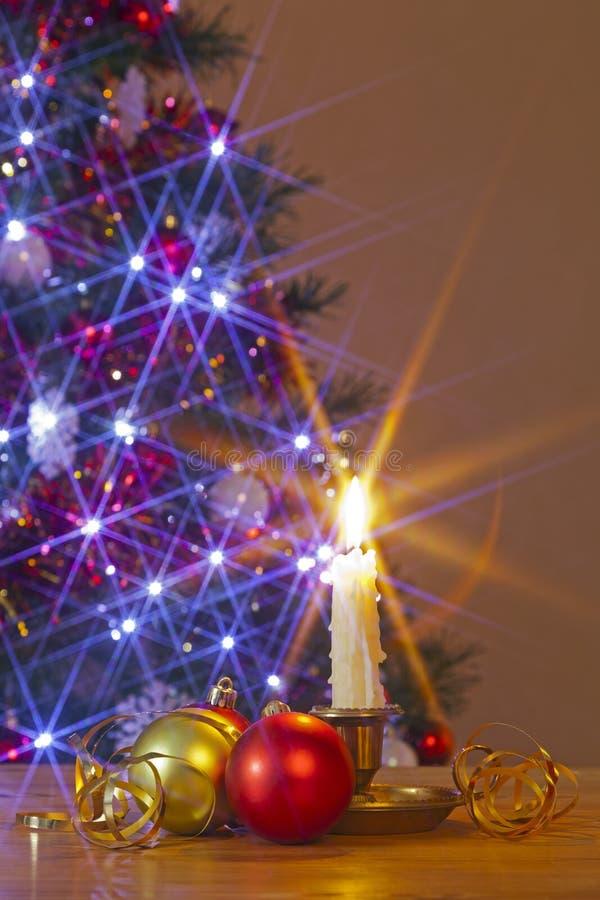 Κερί και μπιχλιμπίδια Χριστουγέννων στοκ εικόνες