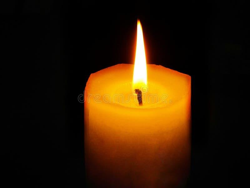 Κερί στο σκοτάδι στοκ εικόνες