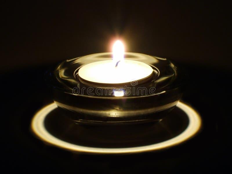 Download κερί στοκ εικόνες. εικόνα από κέρινος, φλόγα, σκοτεινός - 390748
