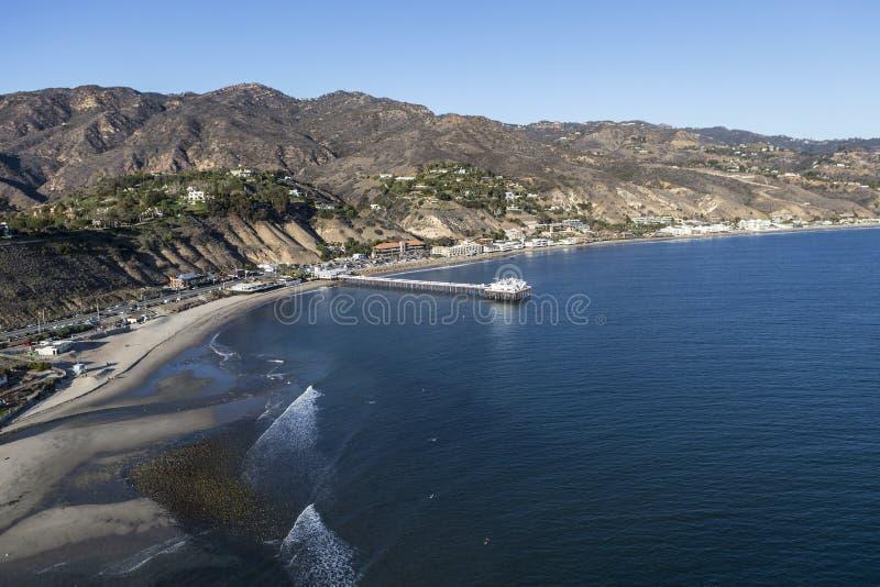 Κεραία της παραλίας Surfrider και της αποβάθρας Malibu σε Καλιφόρνια στοκ φωτογραφία με δικαίωμα ελεύθερης χρήσης