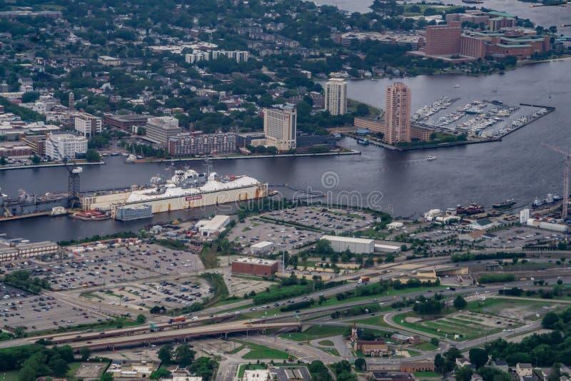 Κεραία του Norfolk Βιρτζίνια του ορίζοντα και των περιχώρων πόλεων στοκ φωτογραφία με δικαίωμα ελεύθερης χρήσης