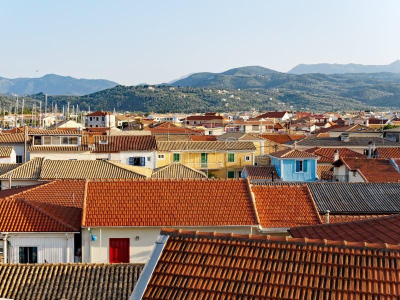 Κεραμωμένες τερακότα στέγες, ελληνικό νησί της Λευκάδας, Ελλάδα στοκ εικόνα με δικαίωμα ελεύθερης χρήσης