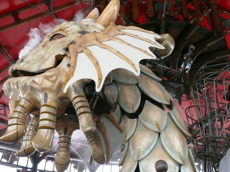 Κεφάλι δράκων ` s στο ιπποδρόμιο των θαλασσίων κόσμων στο νησί της Νάντης στοκ εικόνες