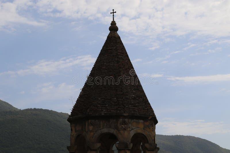 Κεφάλι πύργων κουδουνιών Ananuri από τα καψαλισμένα κόκκινα τούβλα στοκ φωτογραφία με δικαίωμα ελεύθερης χρήσης