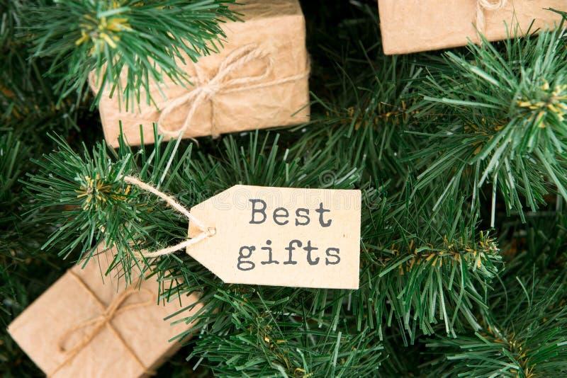 Κιβώτια και ετικέττα δώρων με το κείμενο & x22 Καλύτερα δώρα στοκ εικόνα