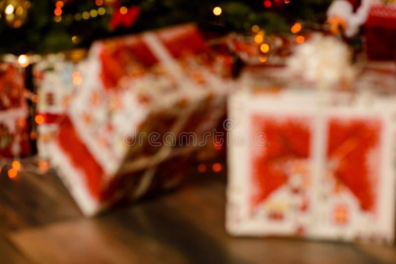 Κιβώτια που τυλίγονται στο έγγραφο δώρων στοκ εικόνες
