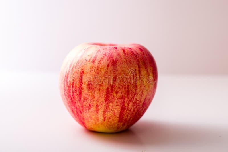 Κιβώτιο συσκευασίας μήλων Χριστουγέννων στοκ εικόνα με δικαίωμα ελεύθερης χρήσης
