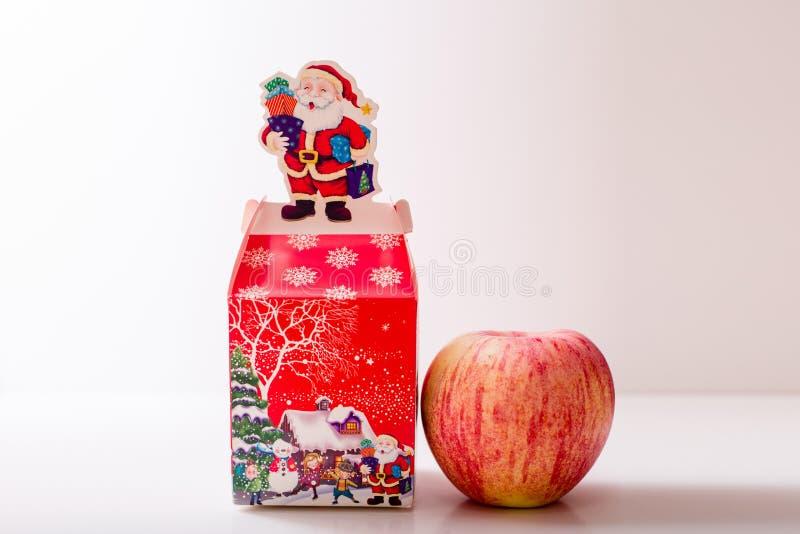Κιβώτιο συσκευασίας μήλων Χριστουγέννων στοκ φωτογραφία