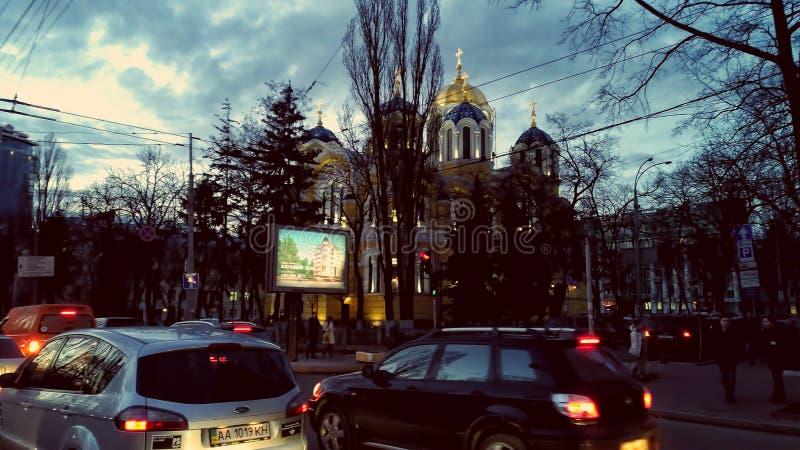 ΚΙΕΒΟ - ΟΥΚΡΑΝΙΑ - ΤΟ ΜΆΡΤΙΟ ΤΟΥ 2017: Καθεδρικός ναός του ST Volodymyr ` s στο βράδυ στοκ φωτογραφία με δικαίωμα ελεύθερης χρήσης