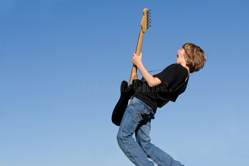 κιθάρα παιδιών στοκ εικόνες με δικαίωμα ελεύθερης χρήσης