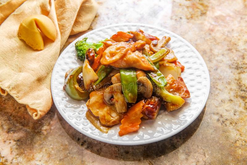 Κινεζικά λαχανικά κοτόπουλου Szechuan στοκ εικόνα
