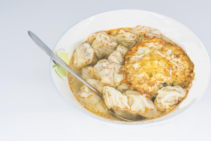 Κινεζικά πρόχειρα φαγητά, τρία φρέσκα μαλάκια στοκ φωτογραφία