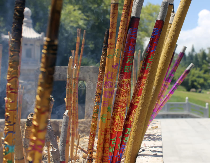 Κινεζικά ραβδιά θυμιάματος στο ναό στοκ φωτογραφία με δικαίωμα ελεύθερης χρήσης
