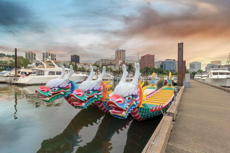 Κινεζικές βάρκες δράκων στοκ εικόνες