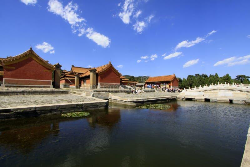 Κινεζική αρχαία αρχιτεκτονική στους ανατολικούς βασιλικούς τάφους της Qing στοκ εικόνες