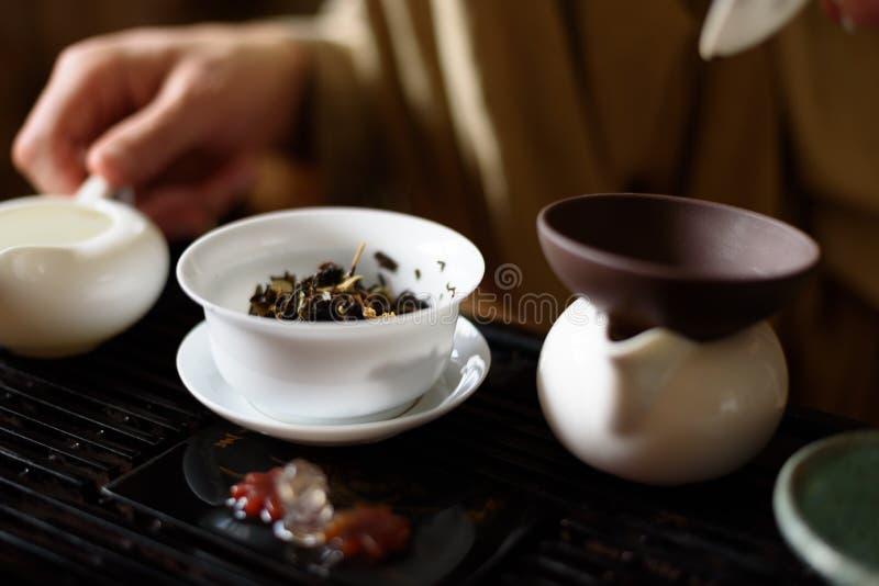 Κινεζική τελετή τσαγιού στοκ εικόνα με δικαίωμα ελεύθερης χρήσης