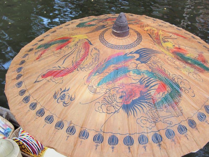 Κινεζική χρωματισμένη ύφος ομπρέλα στοκ εικόνες