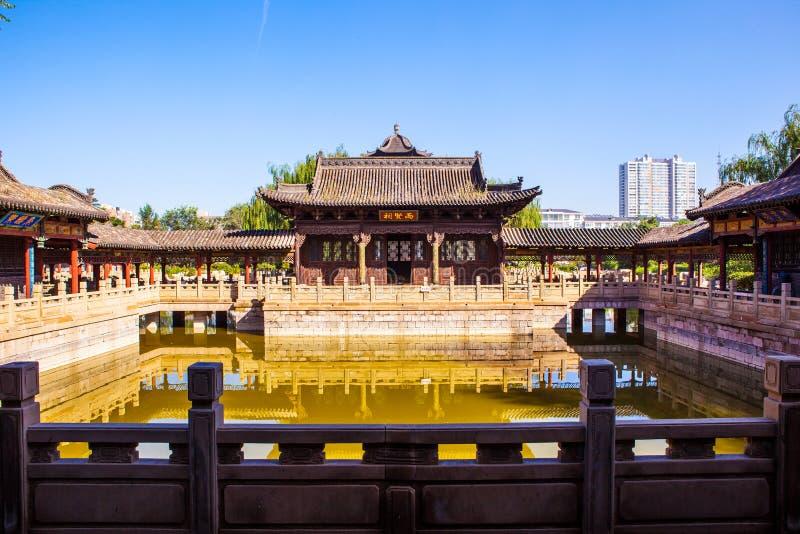 Κινεζικός κλασσικός κήπος που χτίζει τη σκηνή κολλεγίου Fengming στοκ φωτογραφίες με δικαίωμα ελεύθερης χρήσης