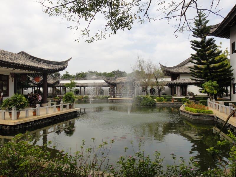 Κινεζικό κτήριο ύφους στο πανεπιστήμιο στοκ φωτογραφία με δικαίωμα ελεύθερης χρήσης