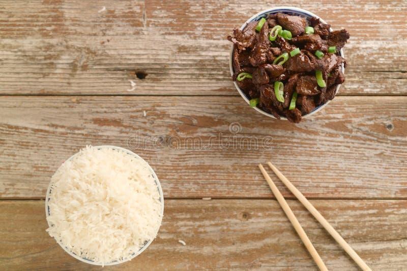 Κινεζικό μαγειρευμένο βόειο κρέας σάλτσας σόγιας τροφίμων με το γλυκάνισο αστεριών στοκ εικόνες