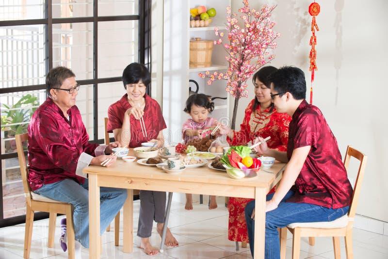 Κινεζικό νέο γεύμα συγκέντρωσης έτους στοκ εικόνες