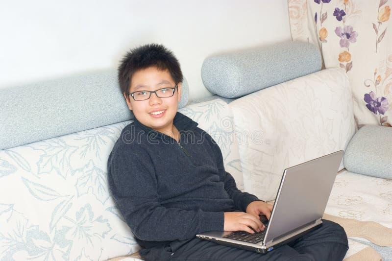 κινεζικό χαμόγελο αγορ&iot στοκ φωτογραφία με δικαίωμα ελεύθερης χρήσης