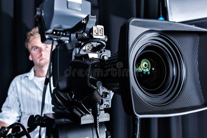 Κινηματογράφηση σε πρώτο πλάνο ενός ακριβού μετώπου καμερών στούντιο στοκ εικόνα με δικαίωμα ελεύθερης χρήσης