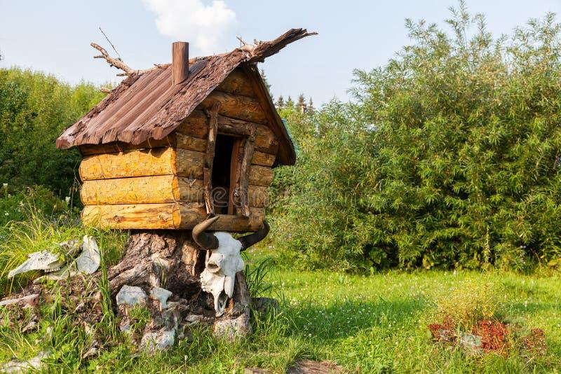 Κινηματογράφηση σε πρώτο πλάνο ενός ξύλινου σπιτιού παιχνιδιών στοκ εικόνες με δικαίωμα ελεύθερης χρήσης
