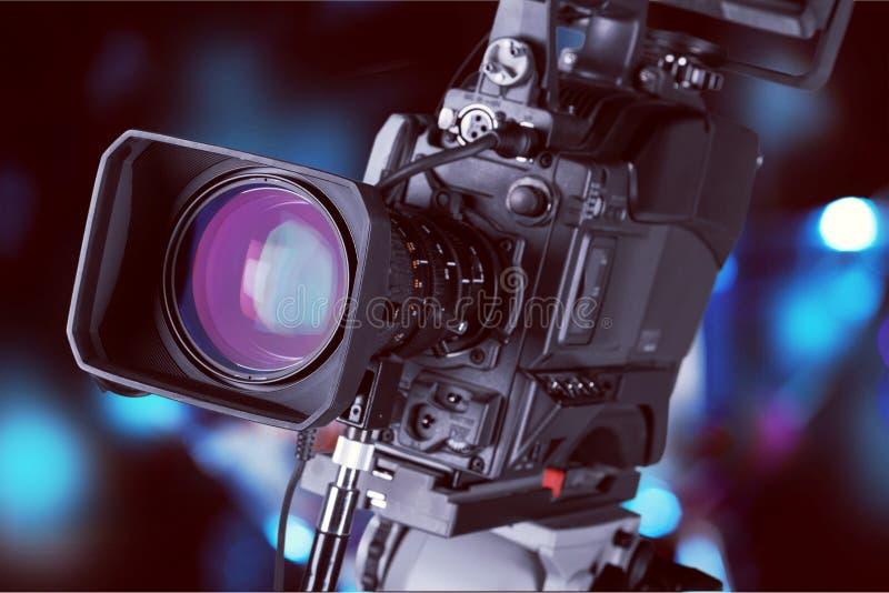 Κινηματογράφηση σε πρώτο πλάνο ενός φακού τηλεοπτικής κάμερα στοκ εικόνα με δικαίωμα ελεύθερης χρήσης