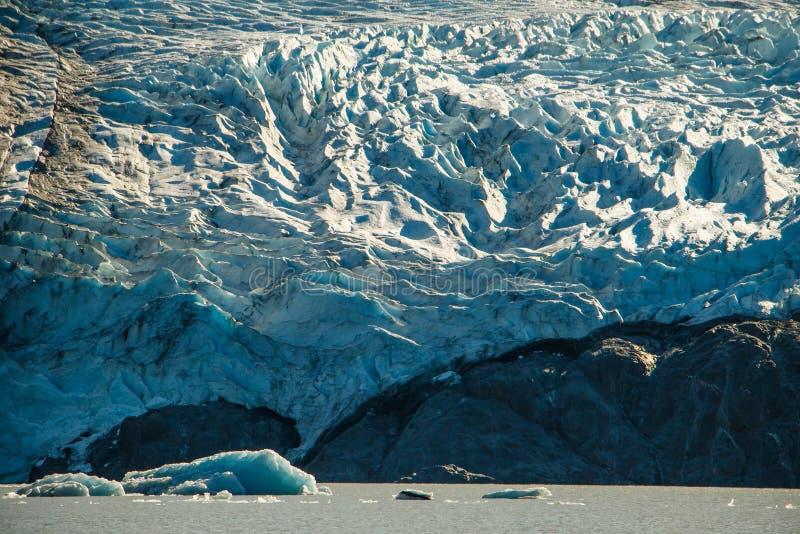 Κινηματογράφηση σε πρώτο πλάνο παγετώνων της Κολούμπια στον ήχο του William πριγκήπων στην Αλάσκα στοκ εικόνα