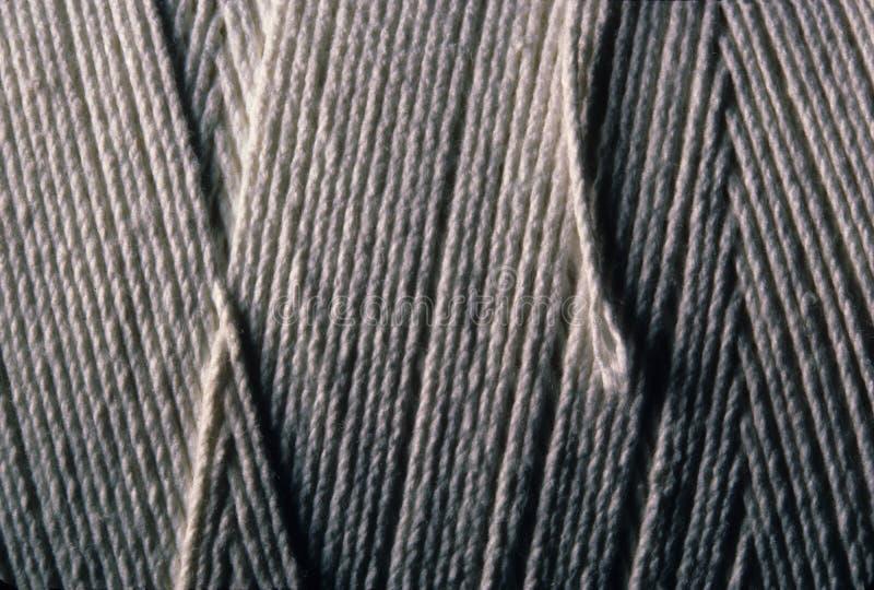 Κινηματογράφηση σε πρώτο πλάνο της κουρδισμένης σειράς βαμβακιού στοκ φωτογραφίες