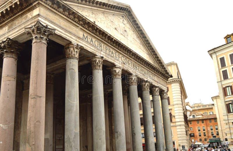 Κινηματογράφηση σε πρώτο πλάνο του αρχαίου ορόσημου Pantheon της Ρώμης, Ιταλία, στις 7 Οκτωβρίου 2018 στοκ φωτογραφία με δικαίωμα ελεύθερης χρήσης