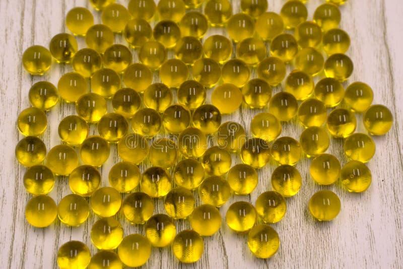Κινηματογράφηση σε πρώτο πλάνο του πολύχρωμου ουράνιου τόξου ή των ιριδιζουσών υδατωδών διαφανών στρογγυλών σφαιρών Σύσταση του ζ στοκ φωτογραφία με δικαίωμα ελεύθερης χρήσης