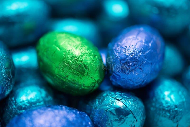 Κινηματογράφηση σε πρώτο πλάνο σοκολατών αυγών Πάσχας στοκ φωτογραφίες
