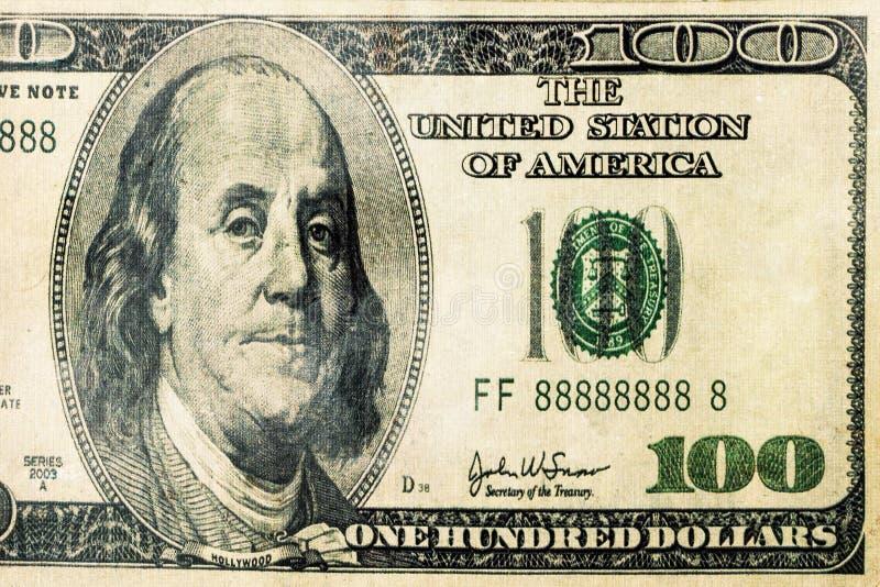 Κινηματογράφηση σε πρώτο πλάνο του Μπιλ τραπεζογραμματίων δολαρίων 100 δολαρίων που απομονώνεται στοκ φωτογραφία με δικαίωμα ελεύθερης χρήσης