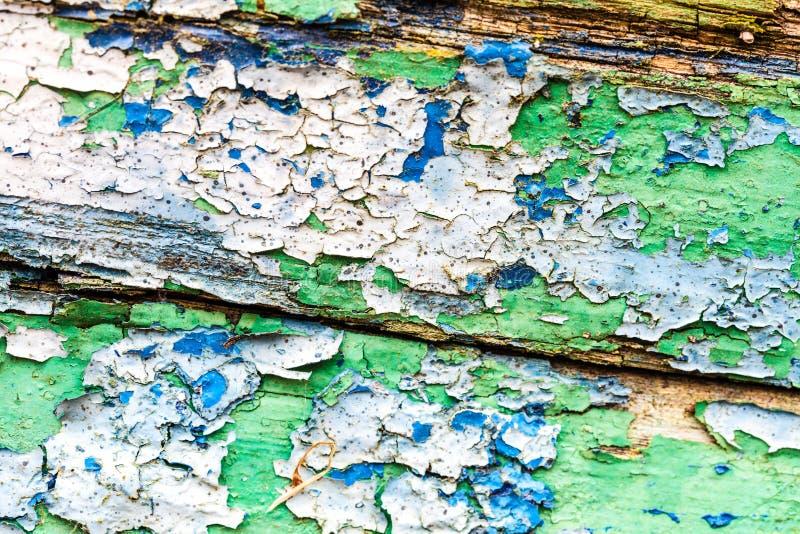 Κινηματογράφηση σε πρώτο πλάνο των λεκέδων χρωμάτων στον ξύλινο πίνακα στοκ φωτογραφίες με δικαίωμα ελεύθερης χρήσης