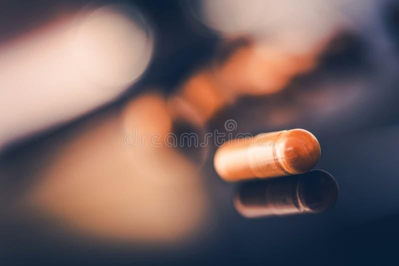 Κινηματογράφηση σε πρώτο πλάνο χαπιών φαρμάκων στοκ εικόνα με δικαίωμα ελεύθερης χρήσης