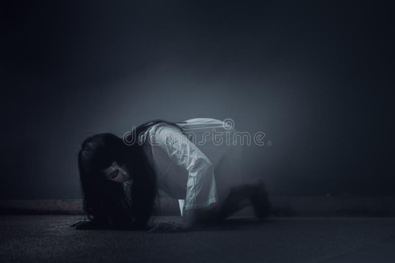 Κινηματογράφος θανάτου σκηνής φρίκης γυναικών φαντασμάτων στοκ φωτογραφία