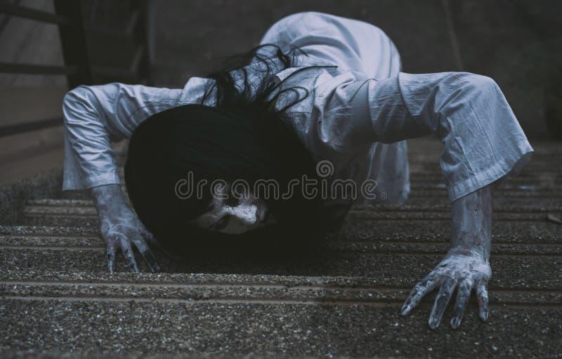 Κινηματογράφος θανάτου σκηνής φρίκης γυναικών φαντασμάτων στοκ φωτογραφία με δικαίωμα ελεύθερης χρήσης