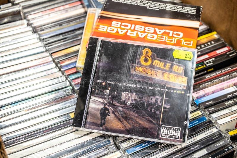 8 κινητή μουσική ταινιών δικαστηρίου μιλι'ου RD από το λεύκωμα του CD του Εμινέμ στην επίδειξη για την πώληση, διάσημος αμερικανι στοκ εικόνα με δικαίωμα ελεύθερης χρήσης