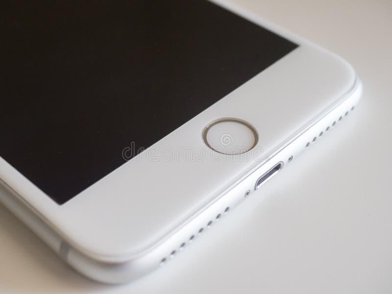 Κινητό τηλέφωνο IPhone στοκ φωτογραφίες