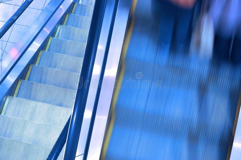 Κινούμενη κυλιόμενη σκάλα από την κίνηση στοκ φωτογραφία