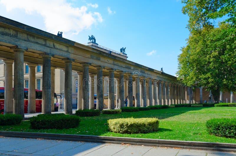 Κιονοστοιχία στο έδαφος του διάσημου νησιού μουσείων, Βερολίνο, Γερμανία στοκ εικόνα με δικαίωμα ελεύθερης χρήσης