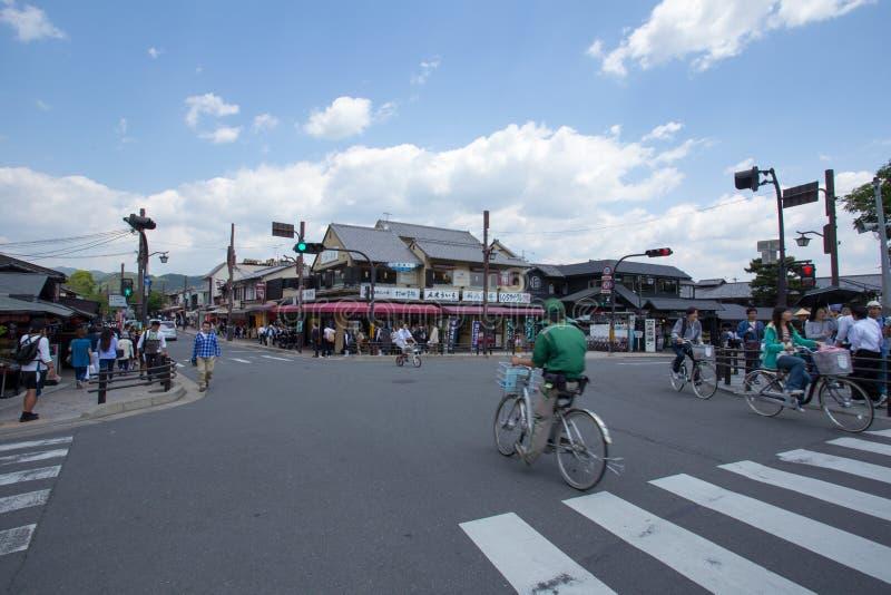 ΚΙΟΤΟ, ΙΑΠΩΝΙΑ - 16 Μαΐου η σύνδεση Togetsukyo στις 16 Μαΐου 2014 σε Arashiyama, Κιότο, Ιαπωνία Arashiyama είναι καλά - γνωστή ως στοκ εικόνα