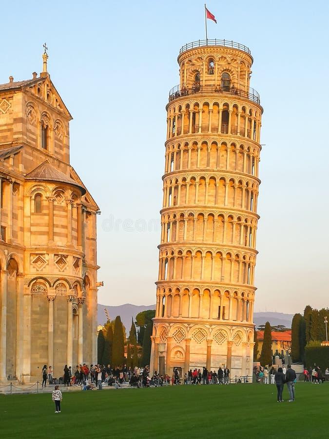 Κλίνοντας πύργος στην Πίζα, Ιταλία στοκ φωτογραφίες