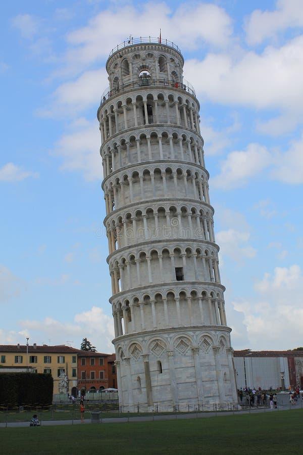 Κλίνοντας πύργος της Πίζας & x28 άποψη από Βορράς-east& x29  Ιταλία Τοσκάνη στοκ εικόνες με δικαίωμα ελεύθερης χρήσης