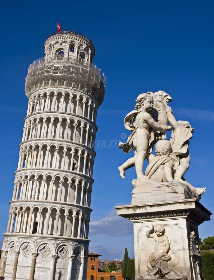 κλίνοντας πύργος της Πίζα&sig στοκ φωτογραφία